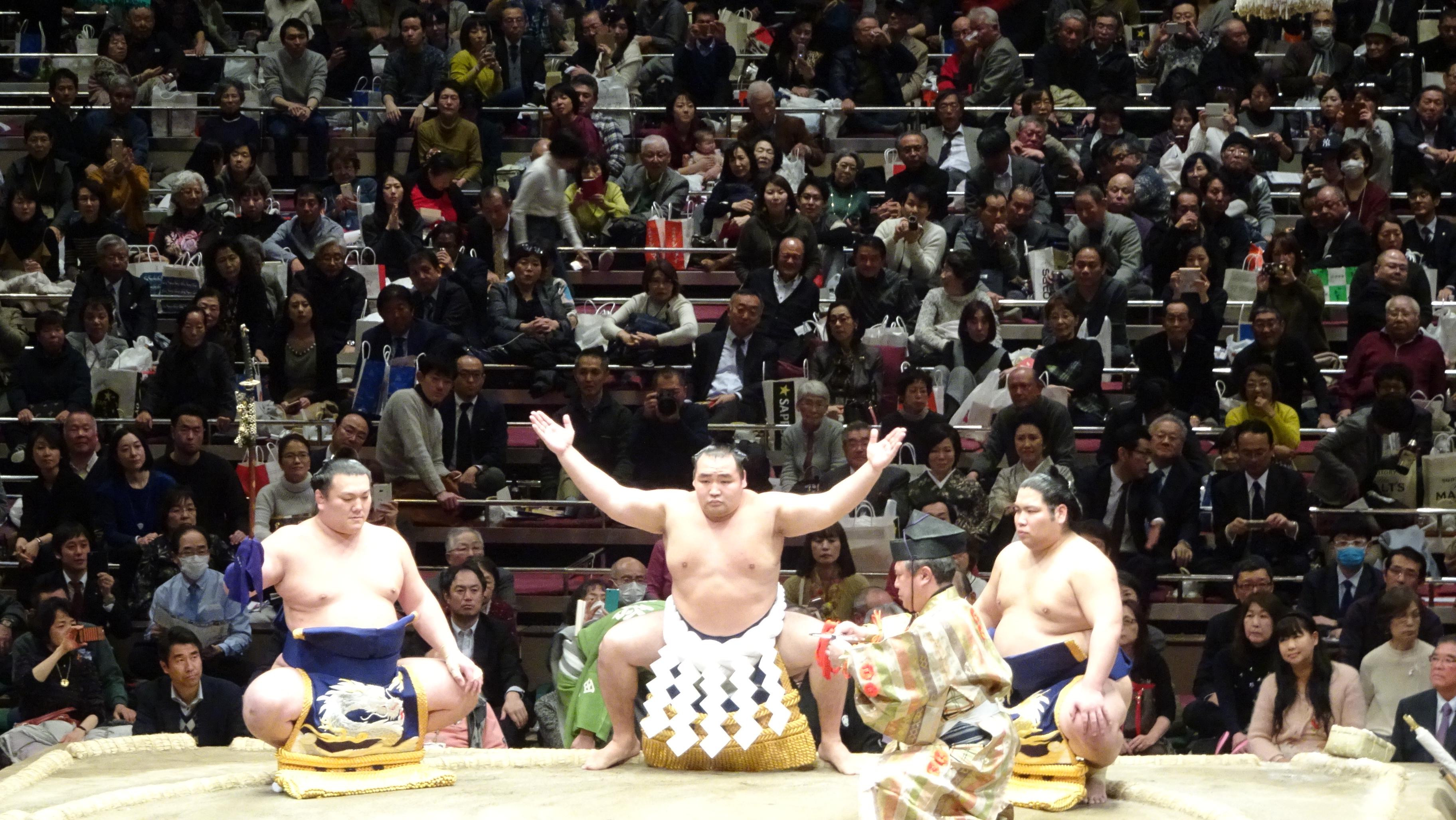 大相撲初場所 マス席観戦 両国国技館   YAS的なモノ
