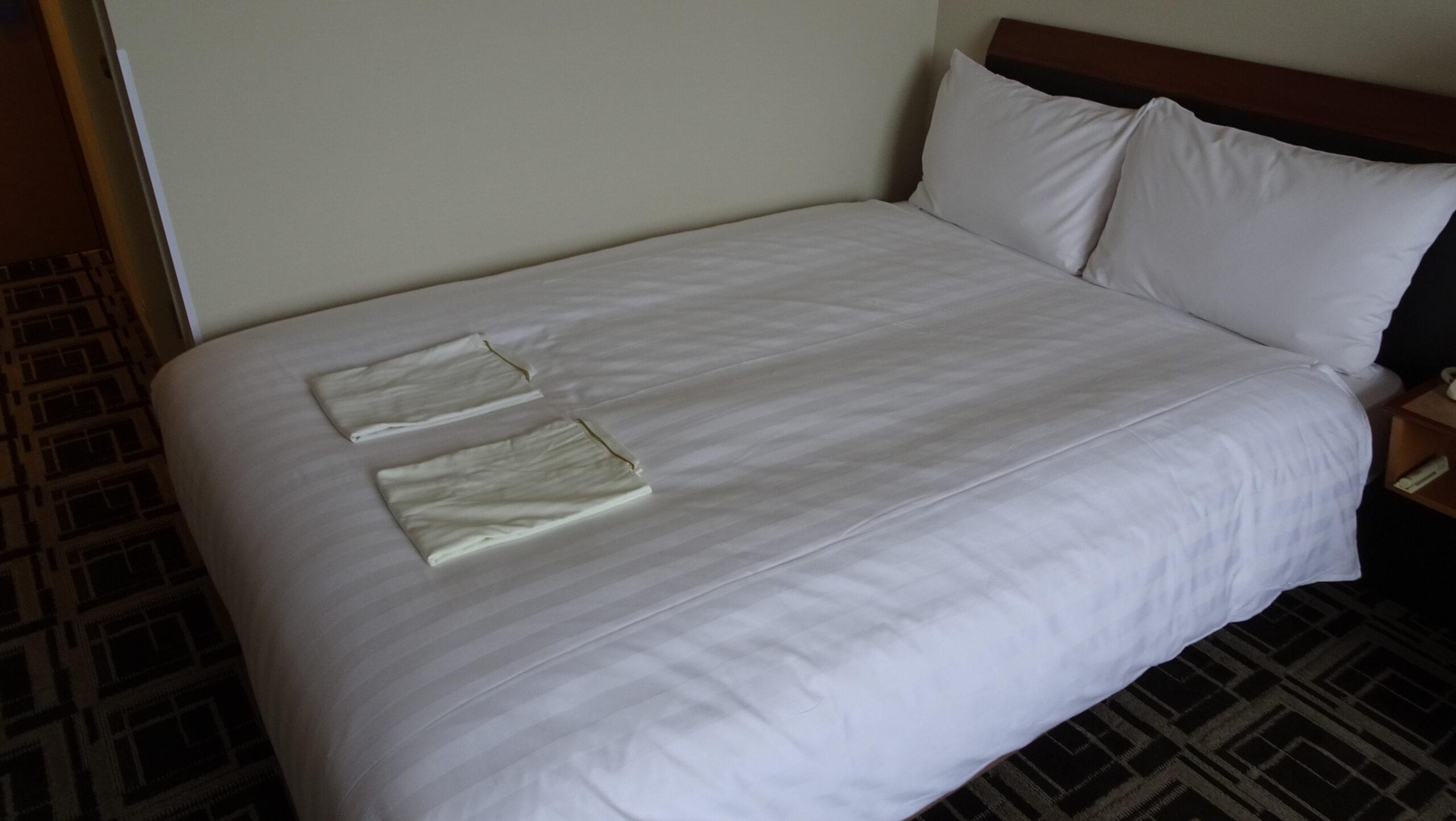 ホテル阪神大阪のダブルベッド