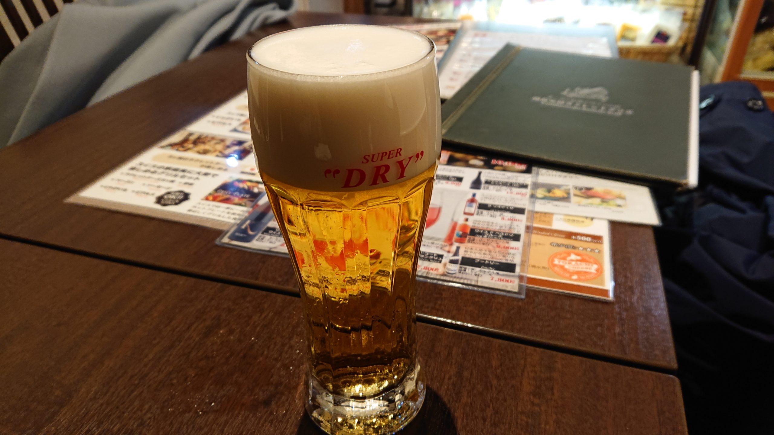湯島天神横のラクレットグリル、スイス料理とスイスワインのお店のビール