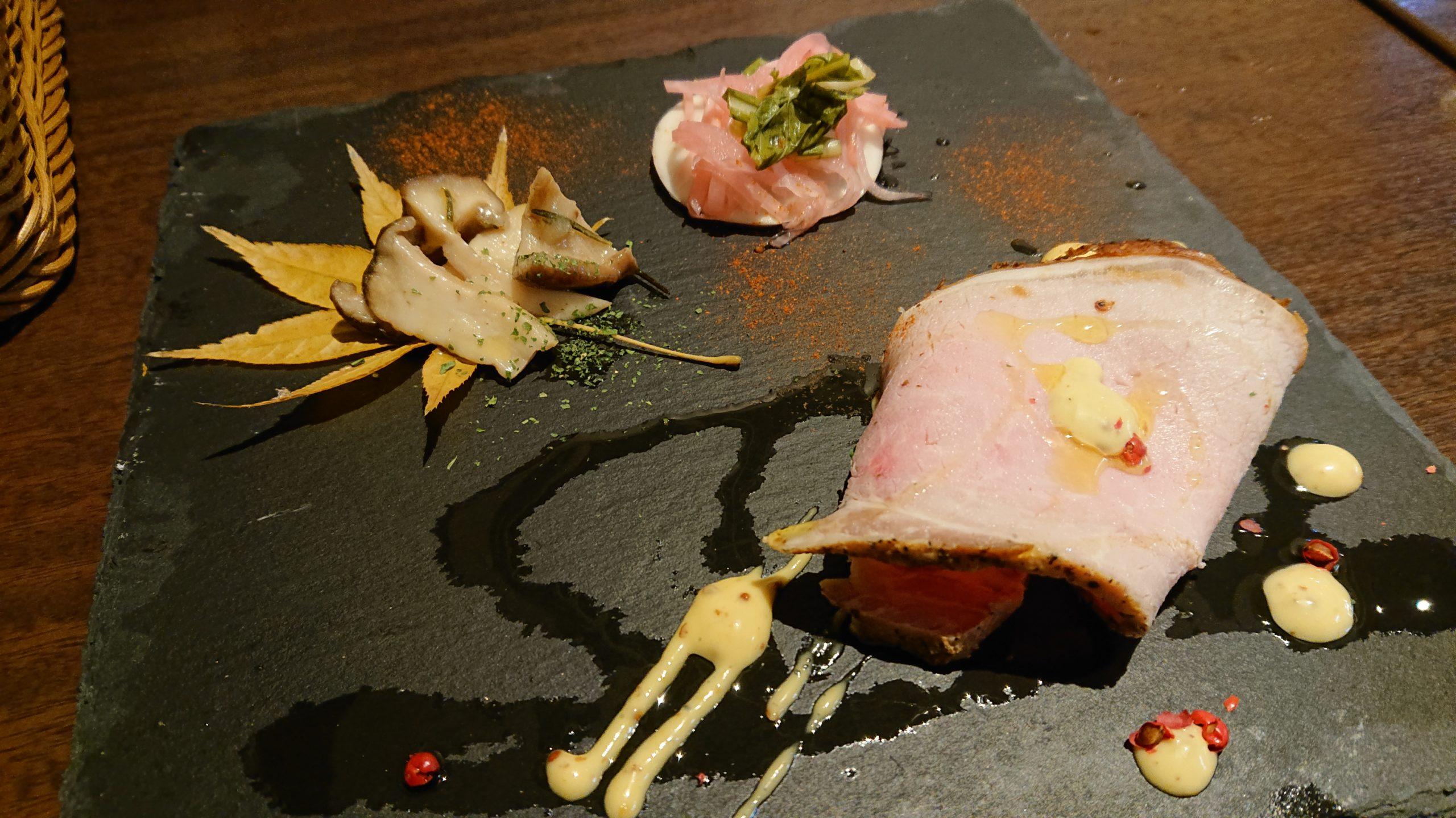 湯島天神横のラクレットグリル、スイス料理とスイスワインのお店のお通し