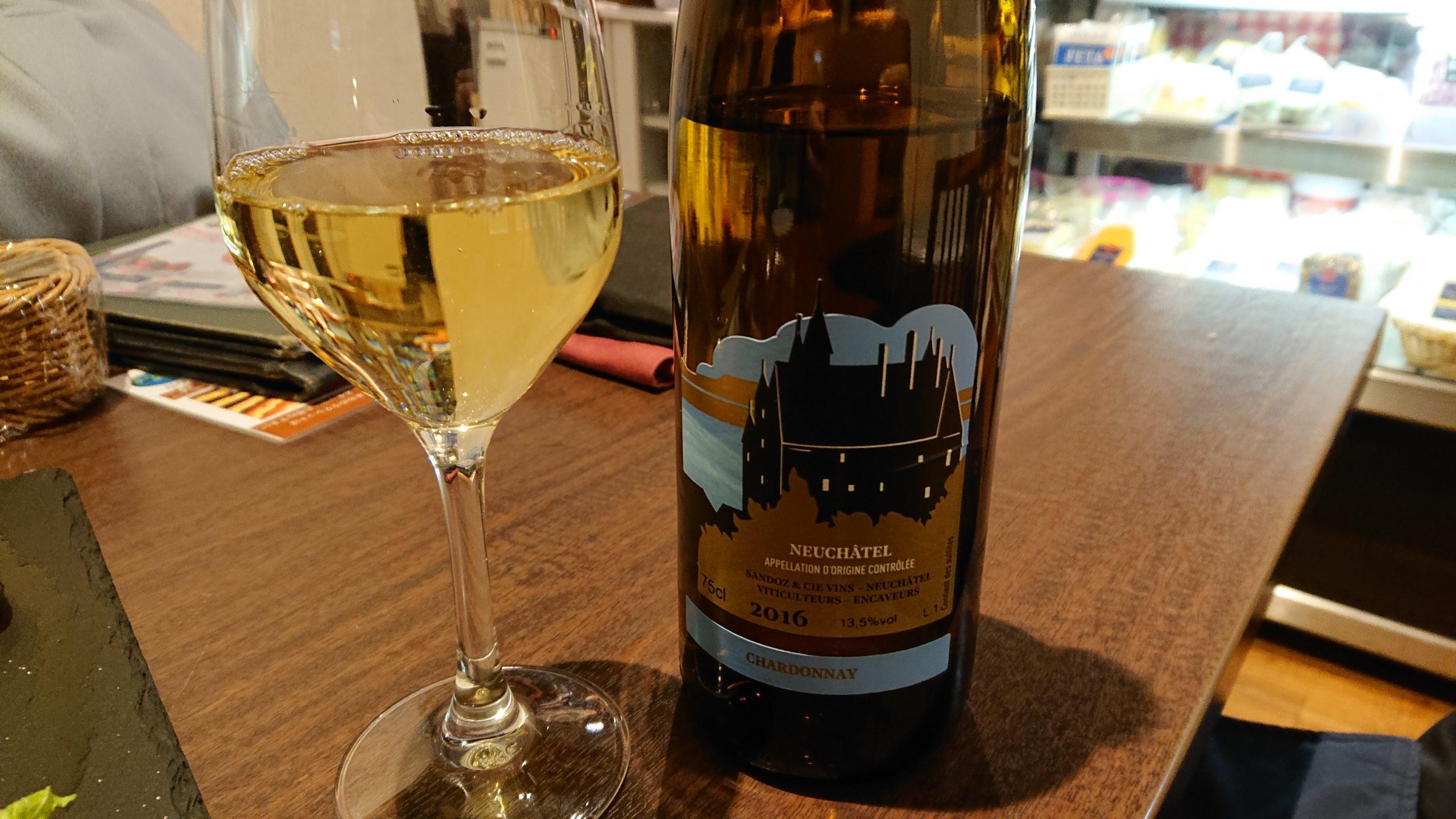 湯島天神横のラクレットグリル、スイス料理とスイスワインのお店の白ワイン