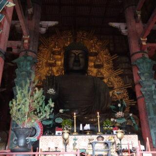 東大寺の大仏殿の大仏