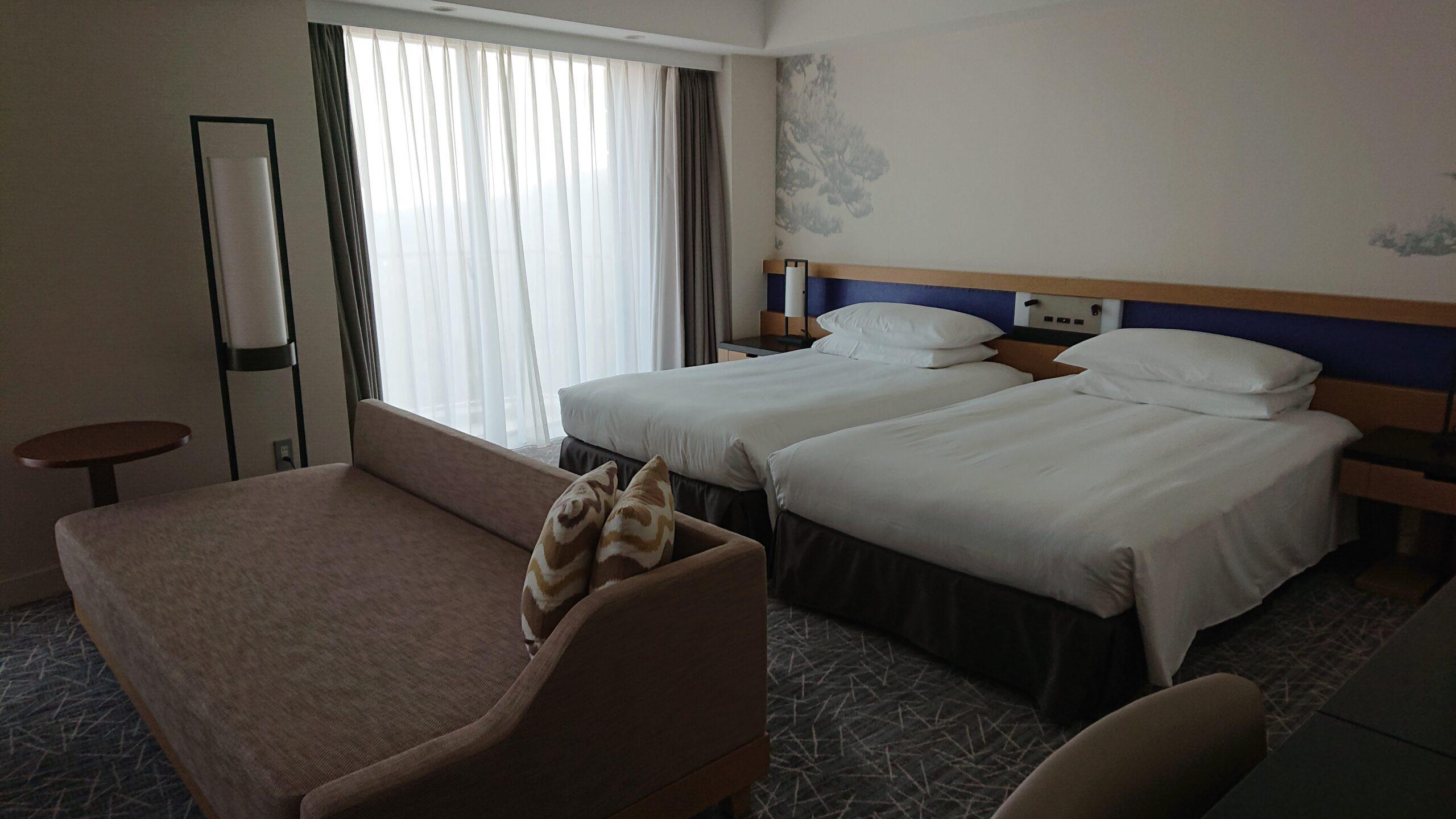 ヒルトン小田原リゾート&スパの和洋室プレミアスイートのベッドルーム