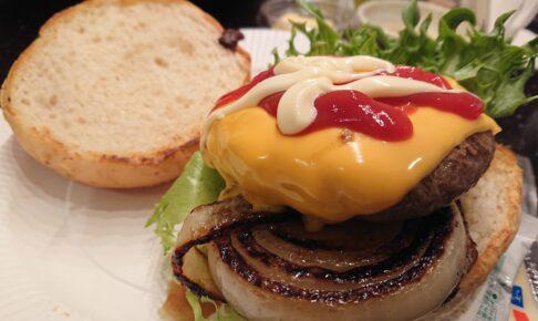 キャメルゴルフ&ホテルリゾートのBBQセットのハンバーガー
