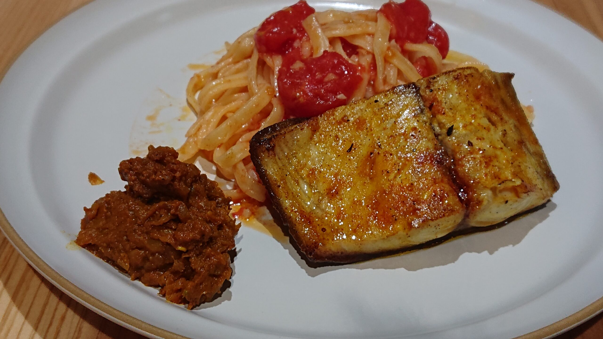 ワッカ(JapaneseSpiceCurrywacca)の鯖とトマトとキーマ