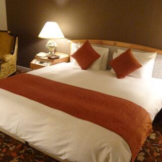 宮崎観光ホテルのダブルベッド