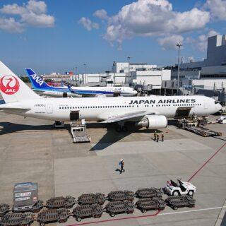 リニューアルされた福岡空港展望台の3階からの眺め